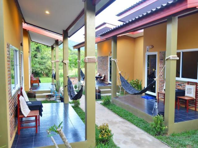 ลันตา บ้านนก รีสอร์ต – Lanta Baan Nok Resort