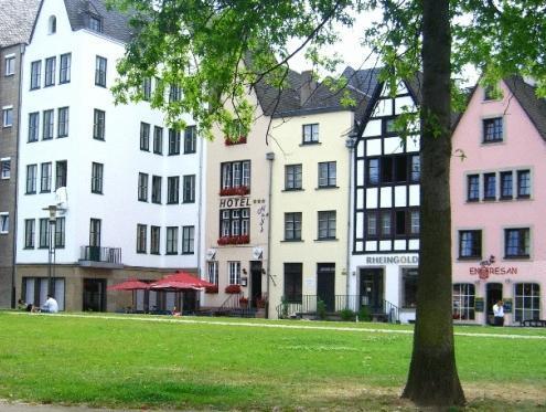 Hayk Altstadthotel And Appartements
