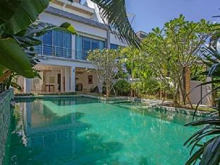 %name Romantic Sea View Villa ภูเก็ต