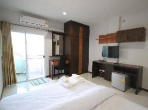 Siriwat Apartment