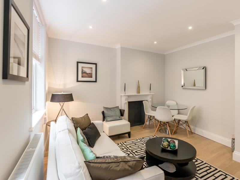 1 Bed High Street Kensington Apartment
