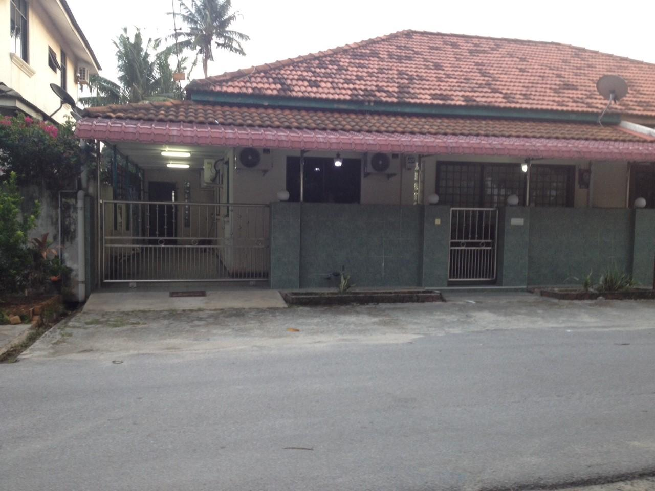 4 Rooms Semi Detached House Near Jonker Street
