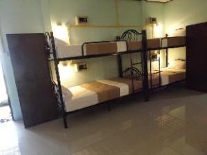 Lanta Long Beach Hostels