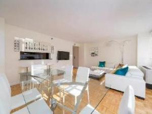 NY Away Luxury Murray Hill 2 Bed 2 Bath