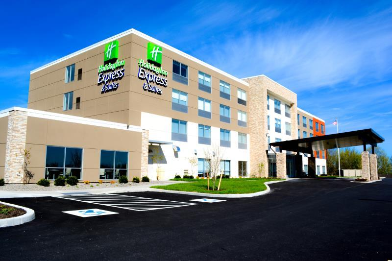 Holiday Inn Express And Suites Oswego