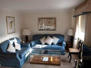 The Mansions at Earls Court 2 Bedroom Apartment 1