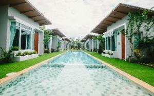 T-Raya Resort