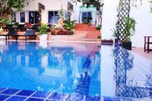 โรงแรมแพลตินัม 2 (Platinum Hotel II)