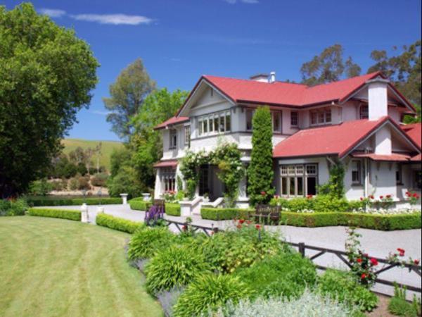 Lake Timara Lodge Blenheim
