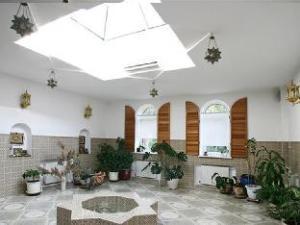 Country House - Chateau Pitau