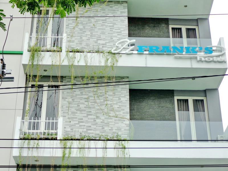Franks Hotel