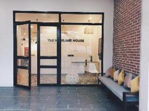 關於高地之家 (The Highland House)