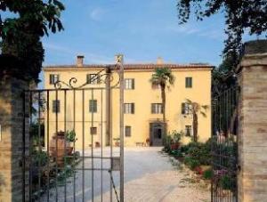 โรงแรมบอโก คาซาเบียนกา (Hotel Borgo Casabianca)