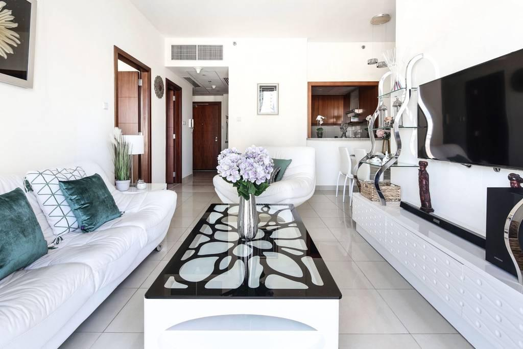 Stunning Apartment In Downtown With Burj Khalifa View