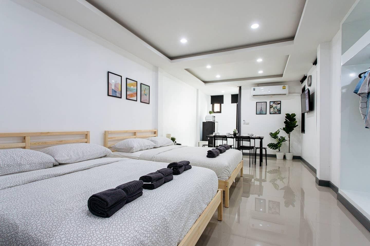 P3 Silom Large 2beds Full Kitchen WIFI 4 6pax