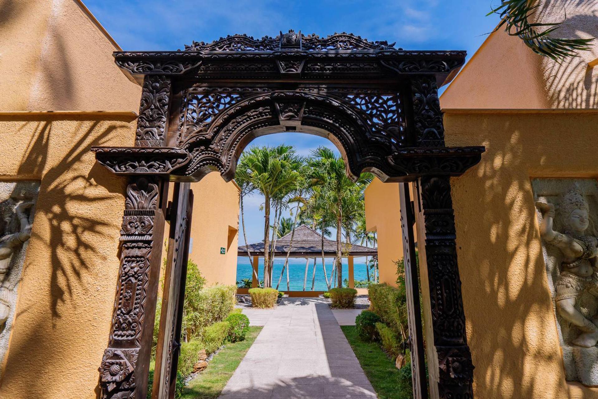 Coral Cove Beachfront Villa Hotel Managed