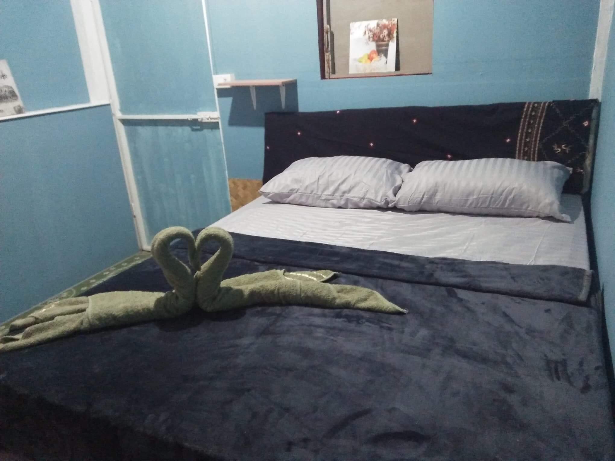 Leaf House 3 Long Beach
