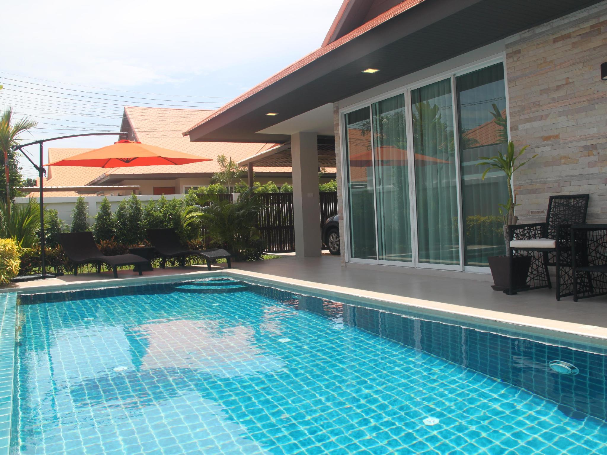 The Ville Pool Villa Jomtien   3 BR 6 8 Persons
