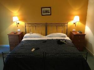 關於瑪格麗塔別墅飯店 (Hotel Villa Margherita)
