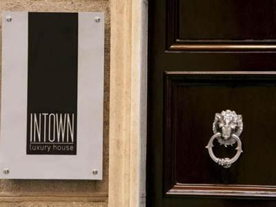 Intown Luxury House