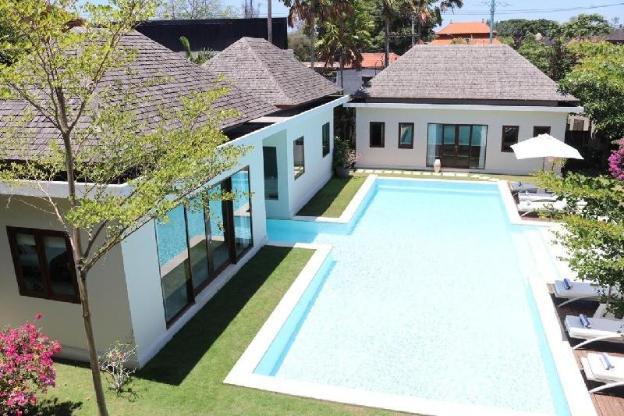 Villa 5 bedrooms Batu Bolong