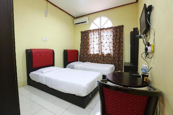 OYO 89819 Raz Hotel Kelulut Marang