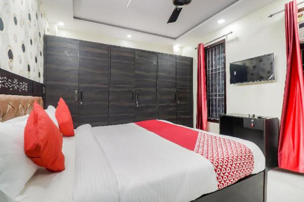 OYO 64184 V Square Residency New Delhi and NCR