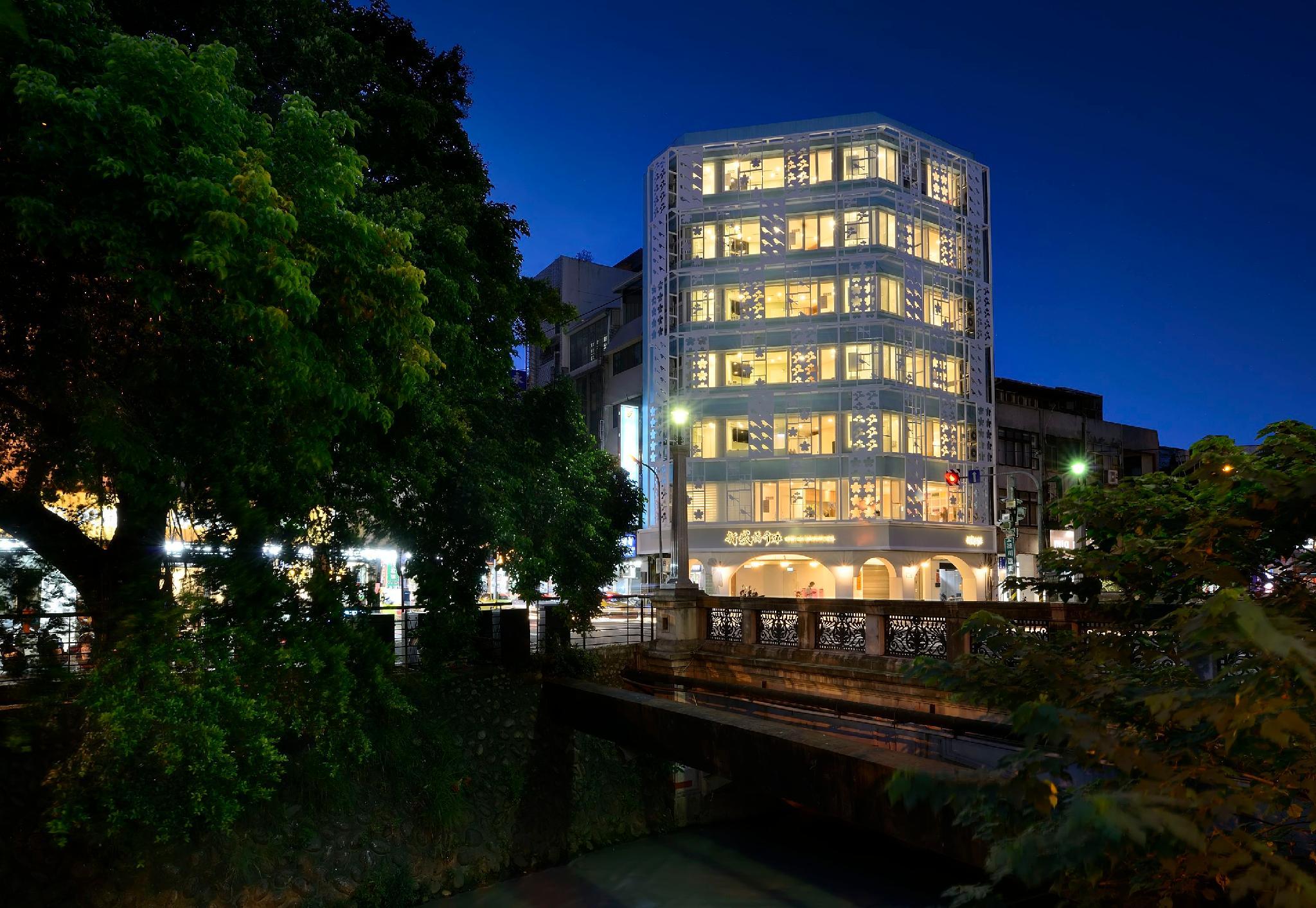 Shin Sei Bashi Hotel
