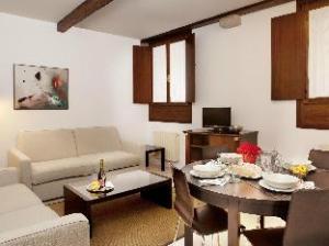 O hotelu Residence Ca' Foscolo (Residence Ca' Foscolo)