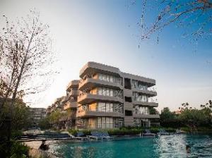 Baan San Ngam Pool Access Condo by Golf