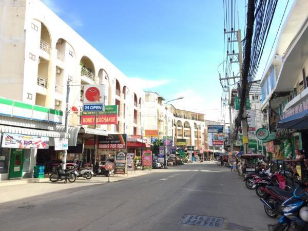 BUA KHAO PARADISE Pattaya