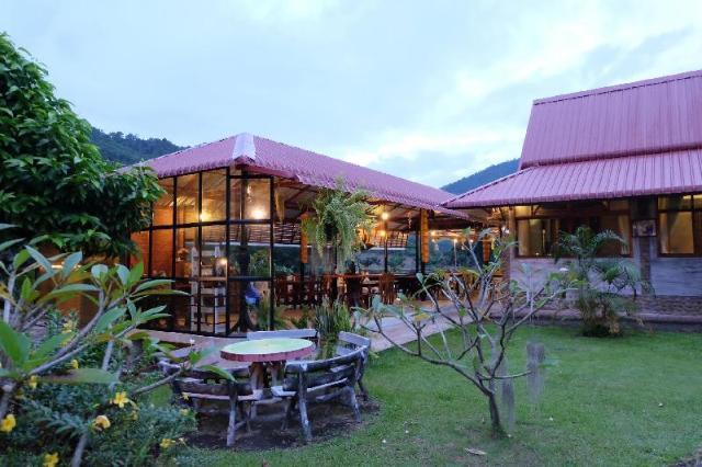 คุณใหม่บ้านสวนรีสอร์ท – Khun Mai Baan Suan Resort