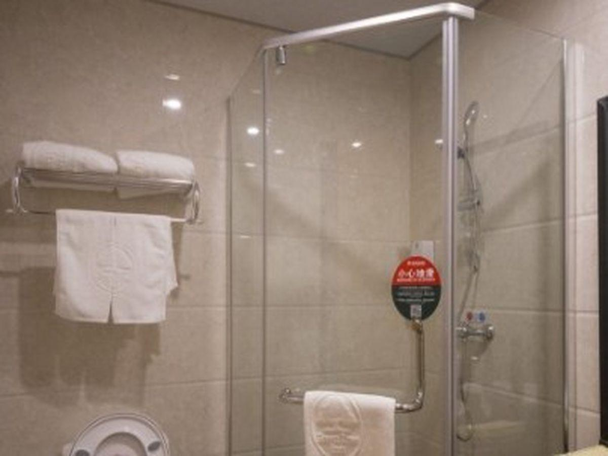 GreenTree Inn ShanDong Zaozhuang Tengzhou Xueyuan East Road Guiheyuan Business Hotel 2