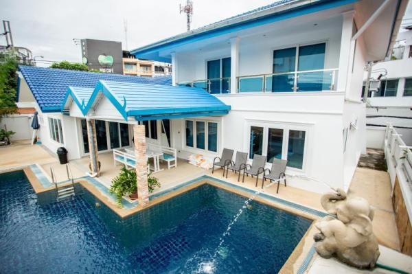 Blue Sky Pool Villa Pattaya