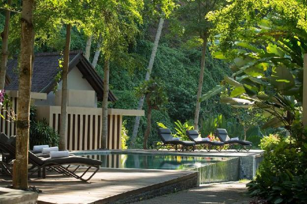 Hill Side 1BR Villa with Private Pool + Breakfast