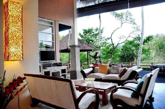 4BR Private Villa with River View @Ubud
