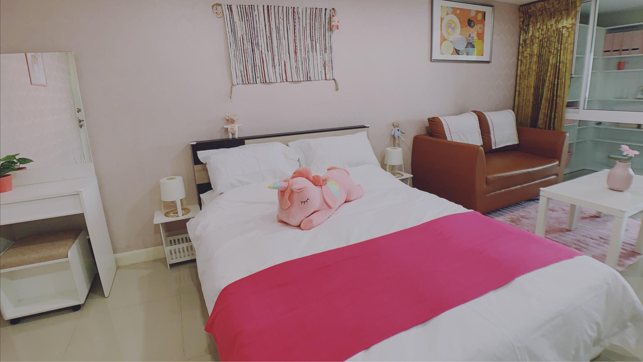 521  Silom Center nearby BTS  sweet pink room อพาร์ตเมนต์ 1 ห้องนอน 1 ห้องน้ำส่วนตัว ขนาด 45 ตร.ม. – สีลม