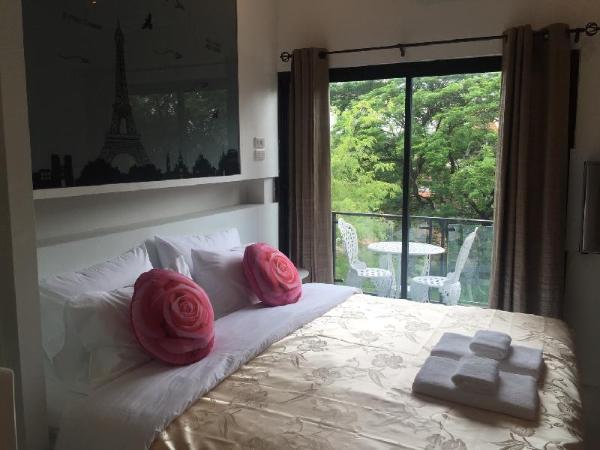 I View Cafe & Resort Udon Thani
