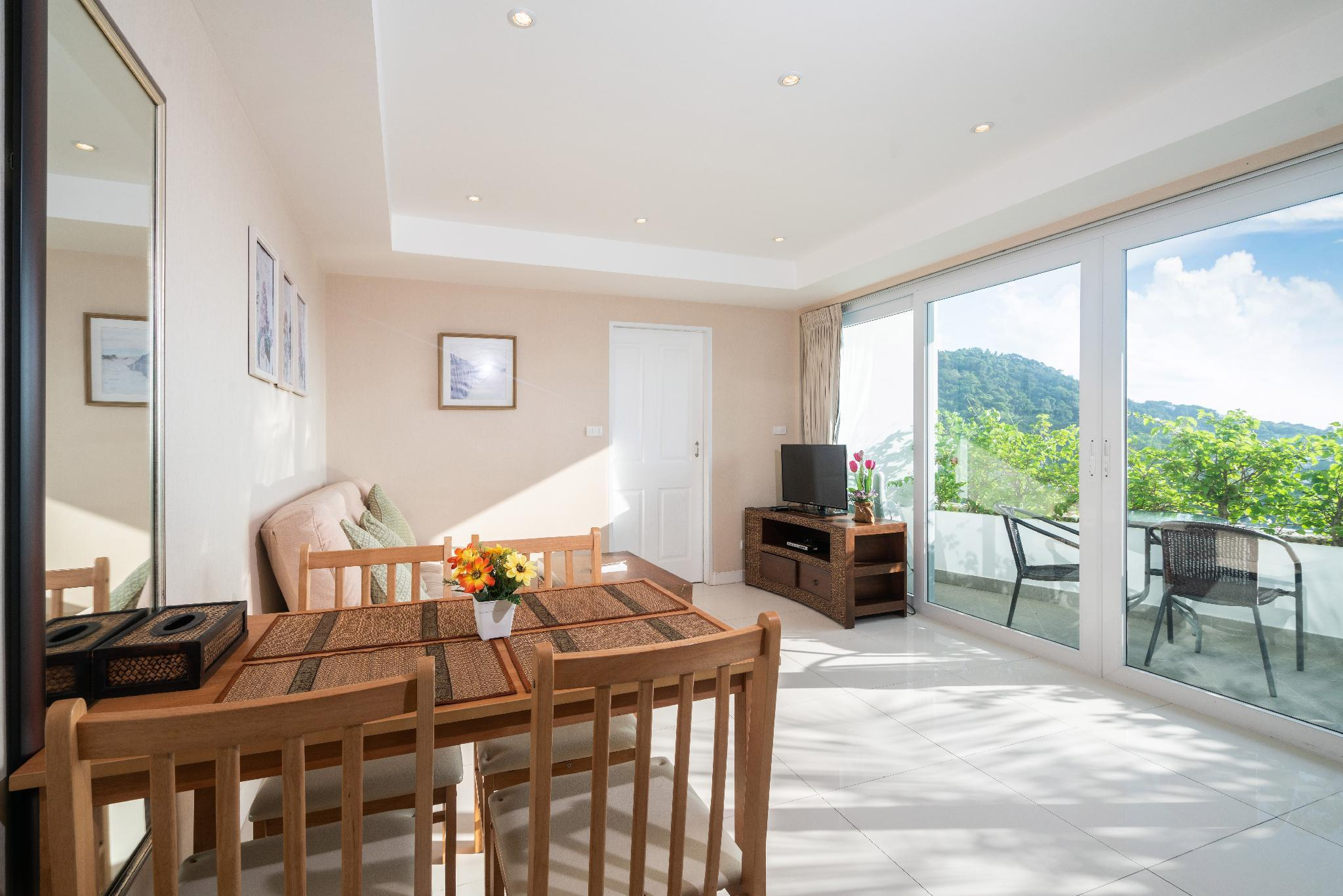 1 BDR Apartment Ocean View from Bedroom in Kata อพาร์ตเมนต์ 1 ห้องนอน 1 ห้องน้ำส่วนตัว ขนาด 53 ตร.ม. – กะรน