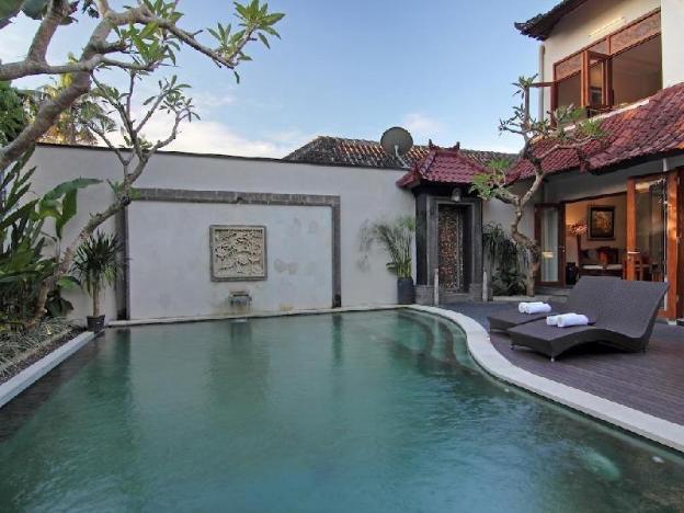 5BR Stunning Luxury Swimming Pool Villa