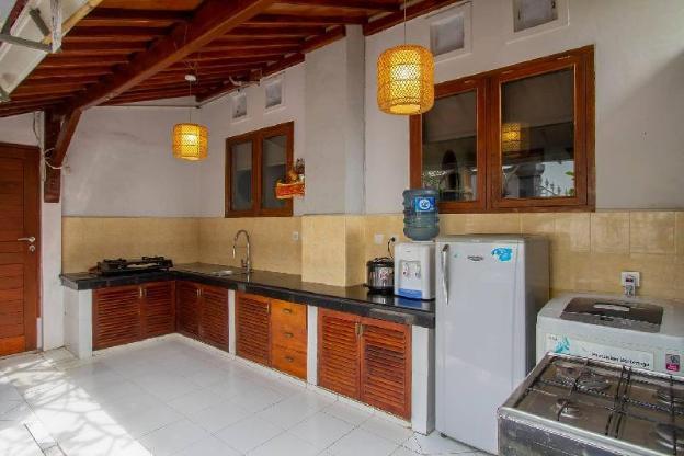 3BR bungalow (B) + pool in Batu Bolong, Canggu