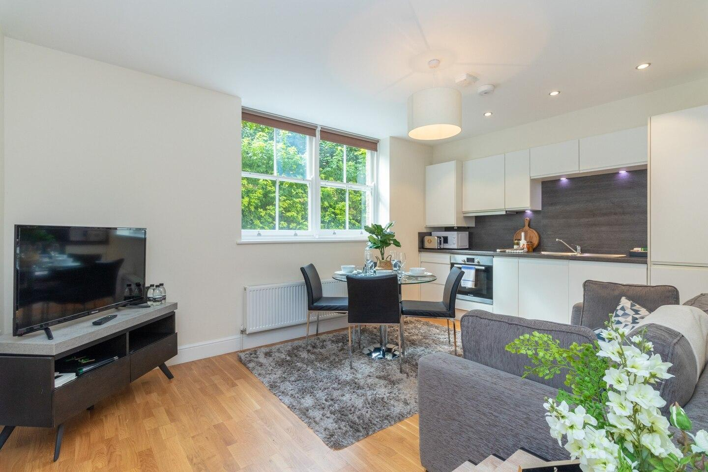 Two Bedroom Apartment in Hammersmith (201A)