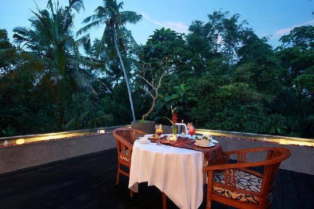 4BR Spacious Villa + Pool + Balcony @Ubud