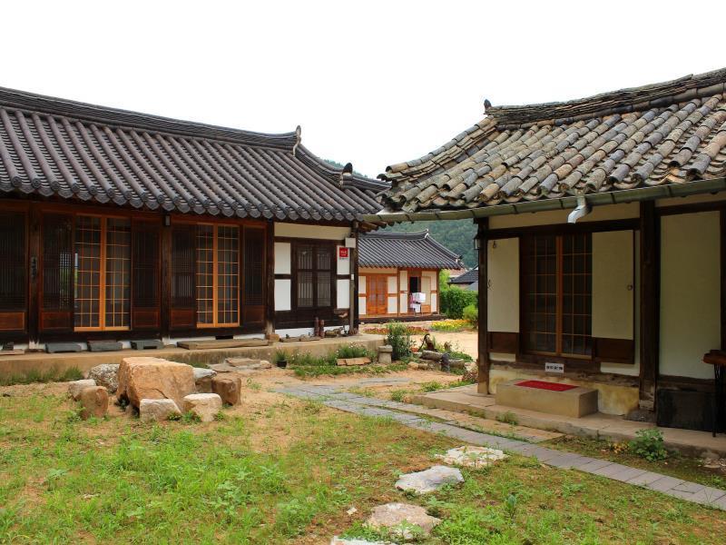 Chungwondang Hanok
