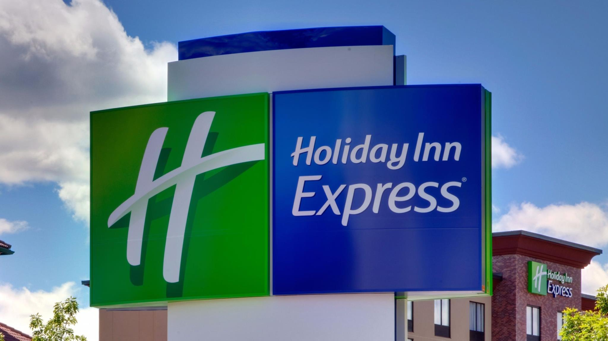 Holiday Inn Express & Suites Kingston Ulster