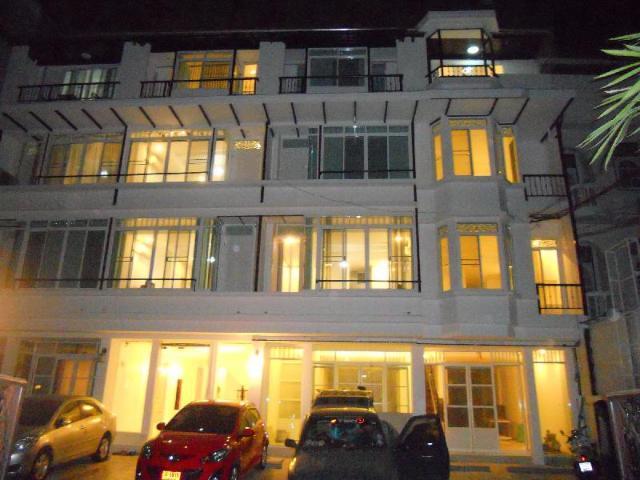 รัชดา-สุทธิสาร โฮเต็ล แอนด์ ลองสเตย์ – Radchada-Sutthisan Hotel and Longstay