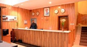 La Posh Hotel