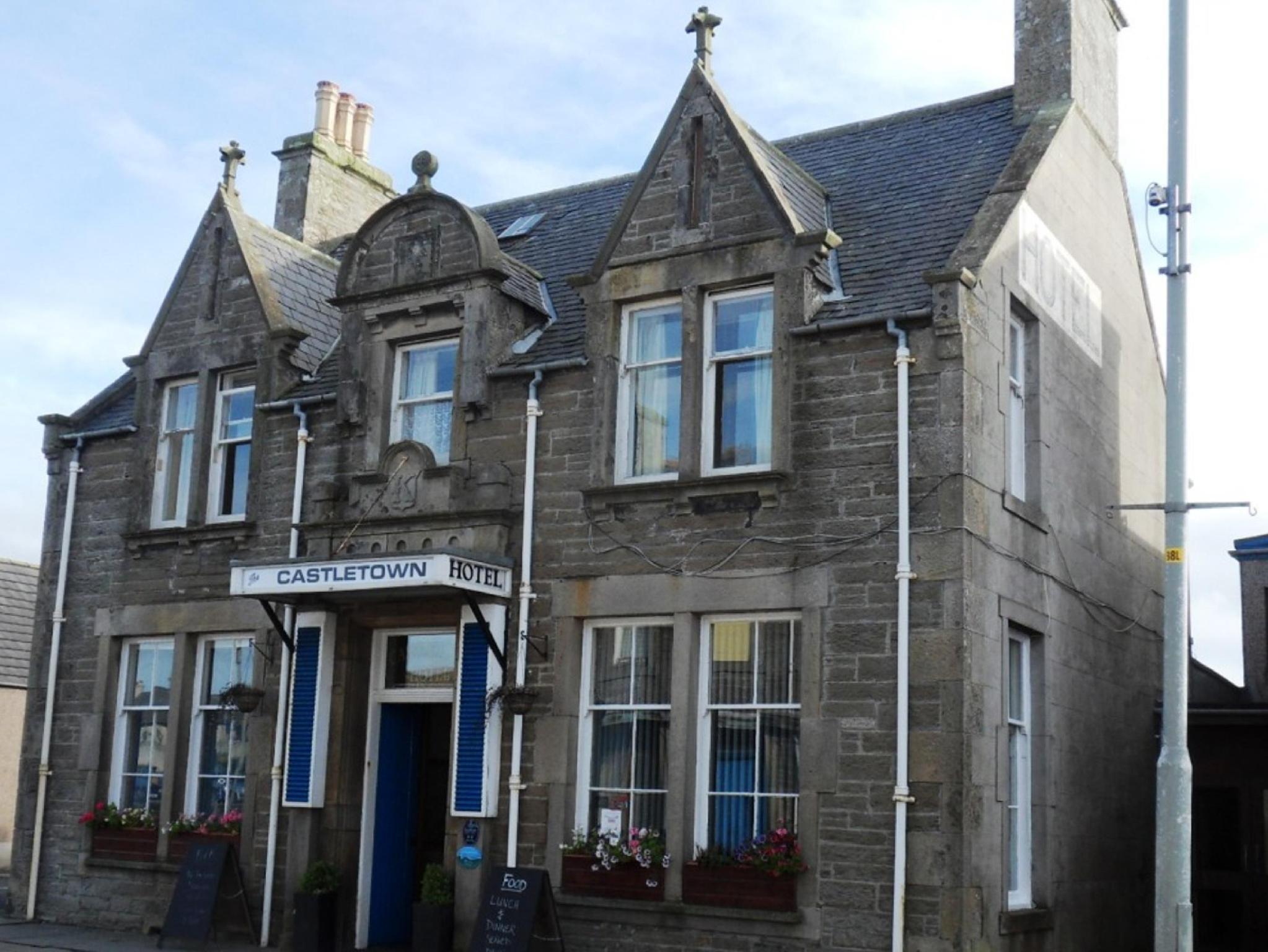 Castletown Hotel