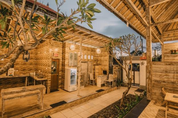 Pange Hostel Lembongan