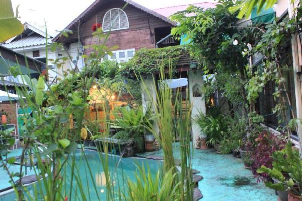 Thaphae Bunk Home Chiang Mai